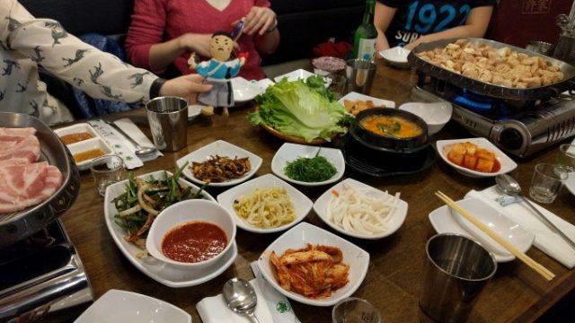 トロントのコリアンタウンで韓国式BBQの画像です