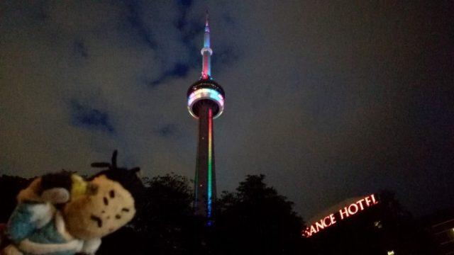 CNタワーも150周年お祝いライトアップ