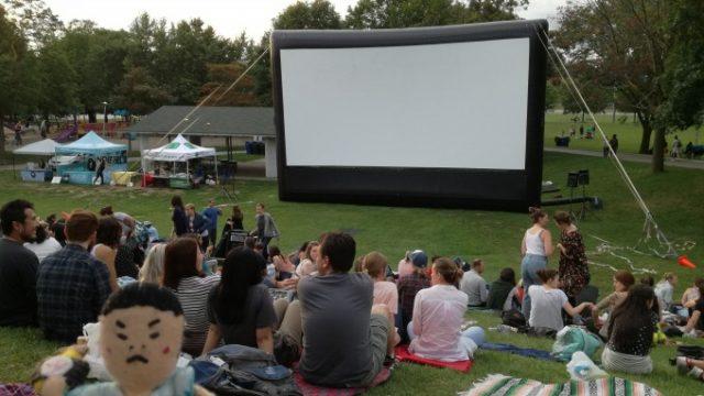 トロントでOutdoor Film Festival!野外映画祭の画像です