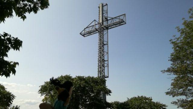 でっかい十字架