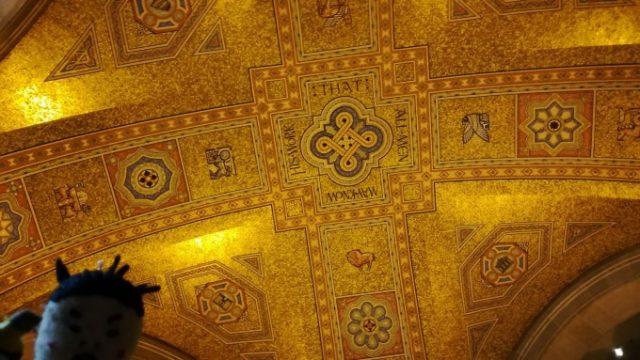 天井も展示品